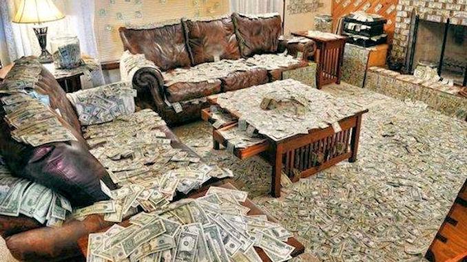 124 millions de dollars en cash se promenent à Moscou @lefilfrancoruss
